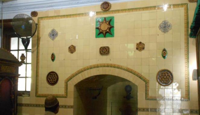 320102 tempat imam sholat di masjid agung demak 663 382