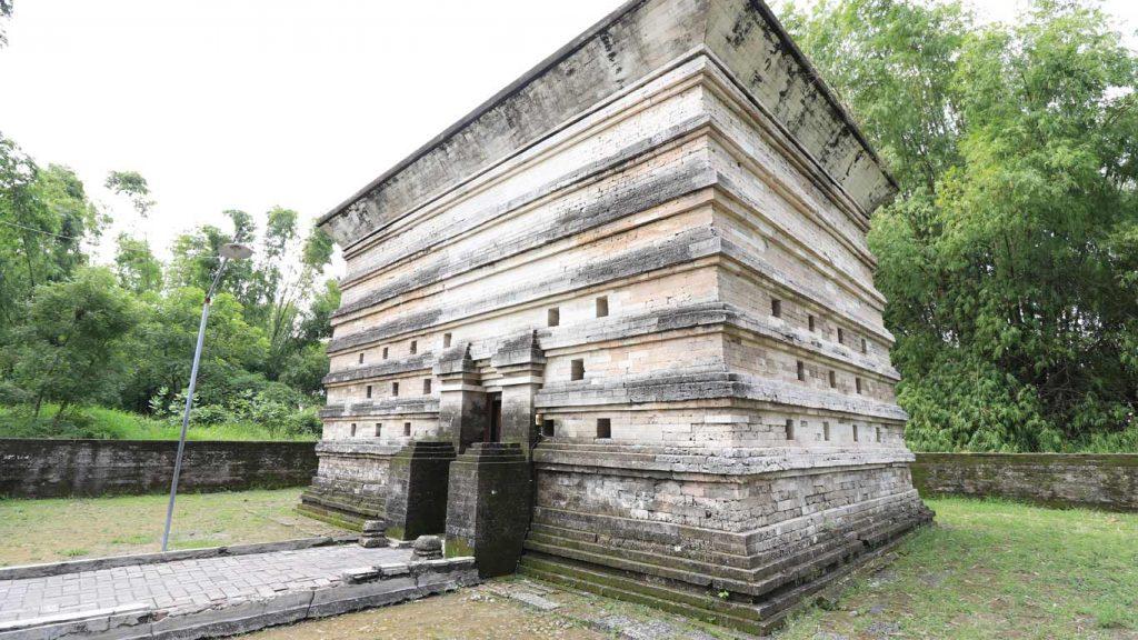 Makam Siti Fatimah Binti Maimun 2