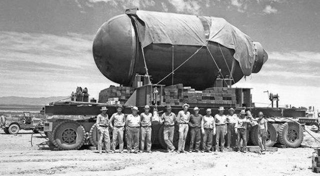 Proyek Manhattan : Pengembangan Bom Atom PD II