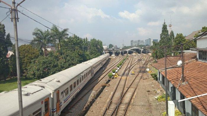 jalur kereta api di stasiun selatan