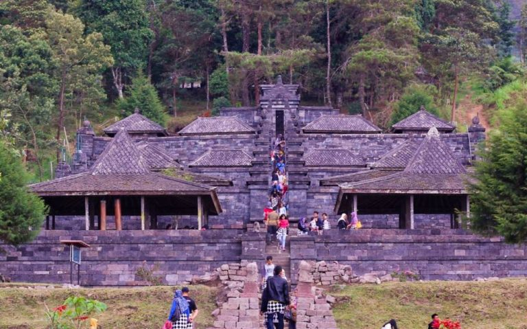 Area kawasan wisata candi cetho Atang Triastama 1024x639 1