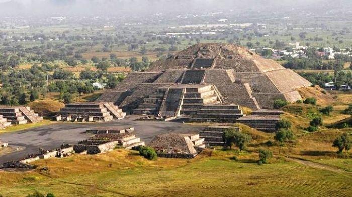 piramida bulan 20181102 191326